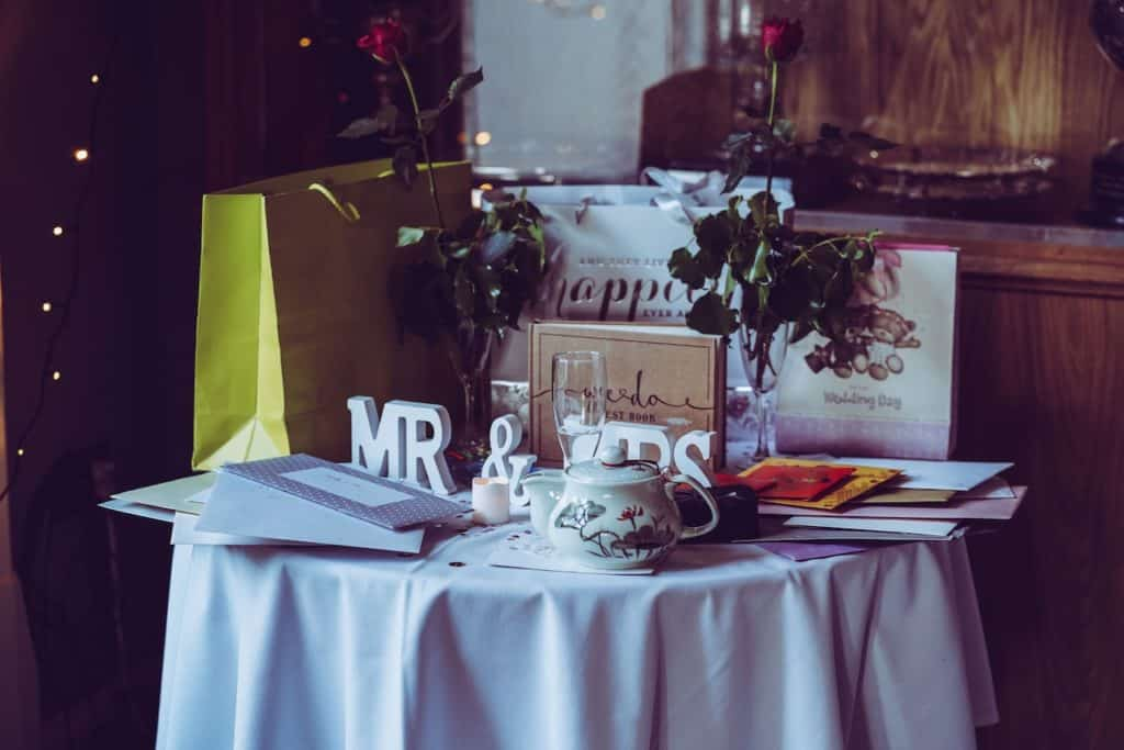 6 Best Personalized Wedding Gifts For Any Couples