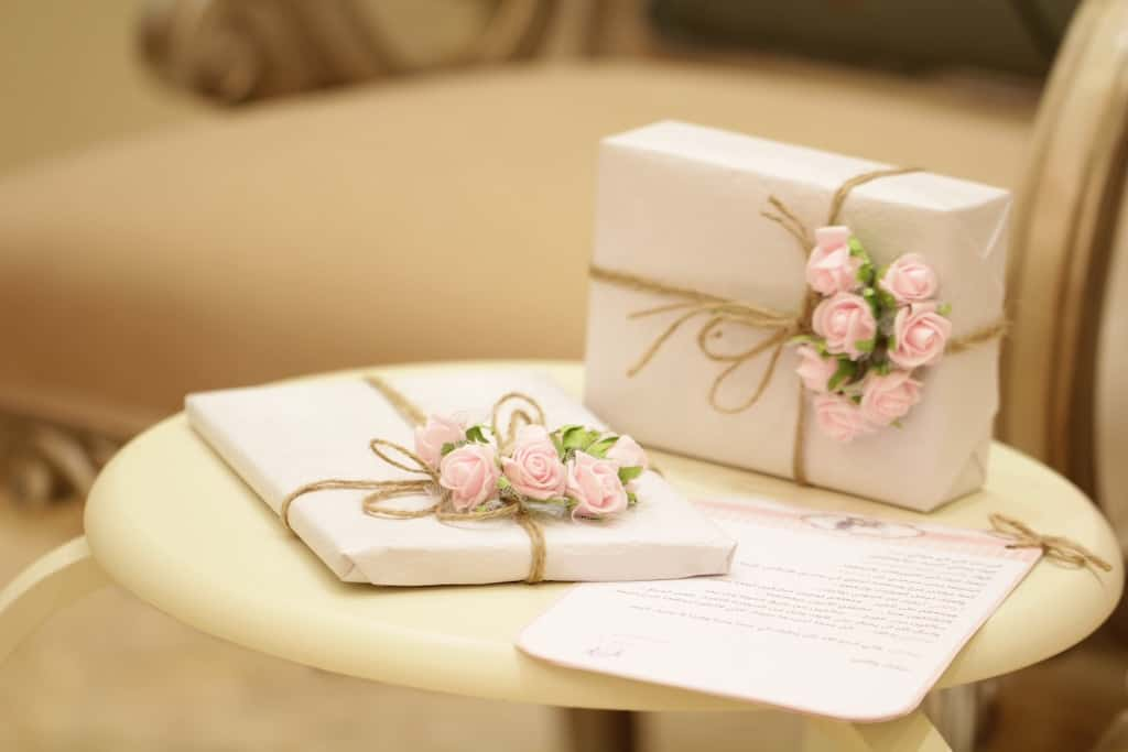 Wedding Gift Etiquette: 10 Rules & Tips Every Guest Should Follow