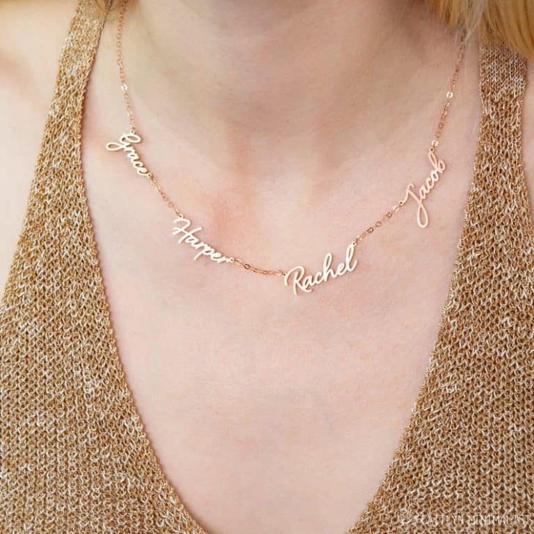 gift idea for expectant grandma: family name necklace