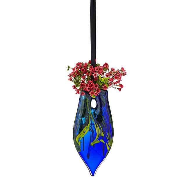 gift for grandma: hanging heart vase
