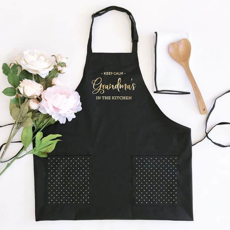 personalized grandma gift: personalized kitchen apron