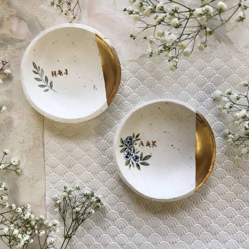 bridesmaids gift ideas: Speckled Minimalist Ring Dishes