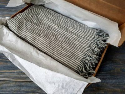 thoughtful gifts for parents linen blanket