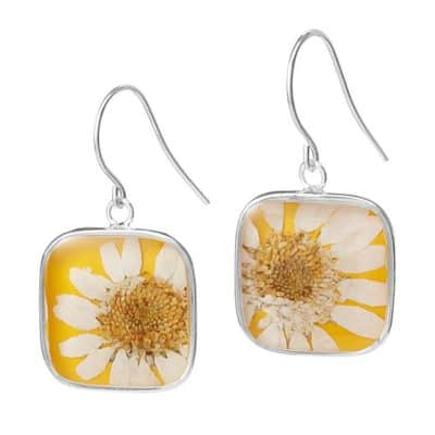 dried flower earrings: traditional 4 year anniversary gift idea for women
