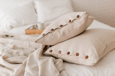 linen gift idea for 4th anniversary: linen pillowcases