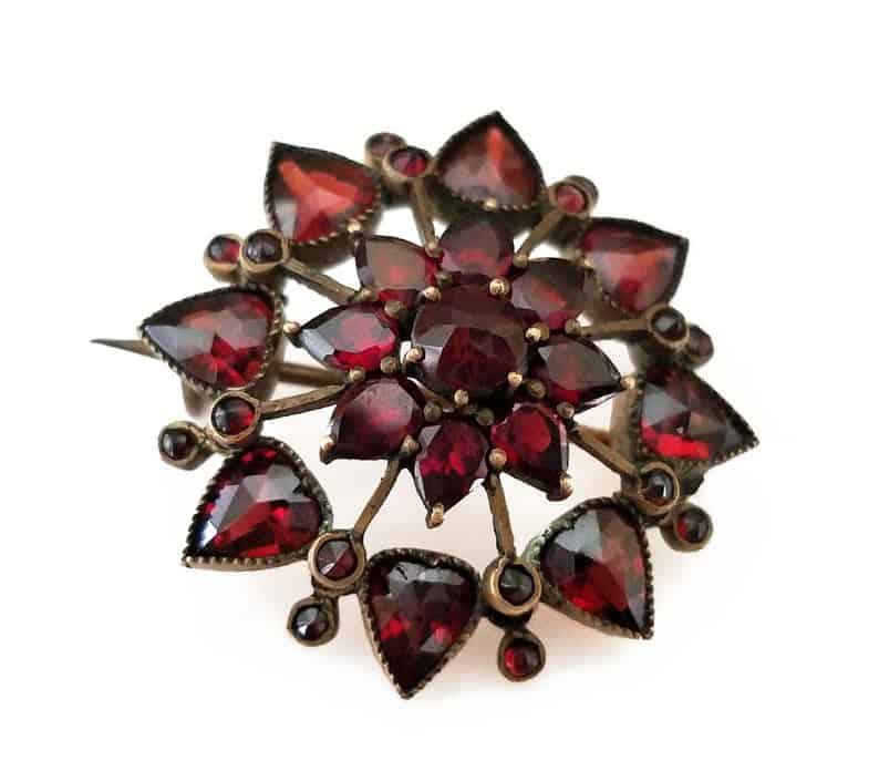 beautiful 6 year anniversary gift idea for her: garnet victorian brooch