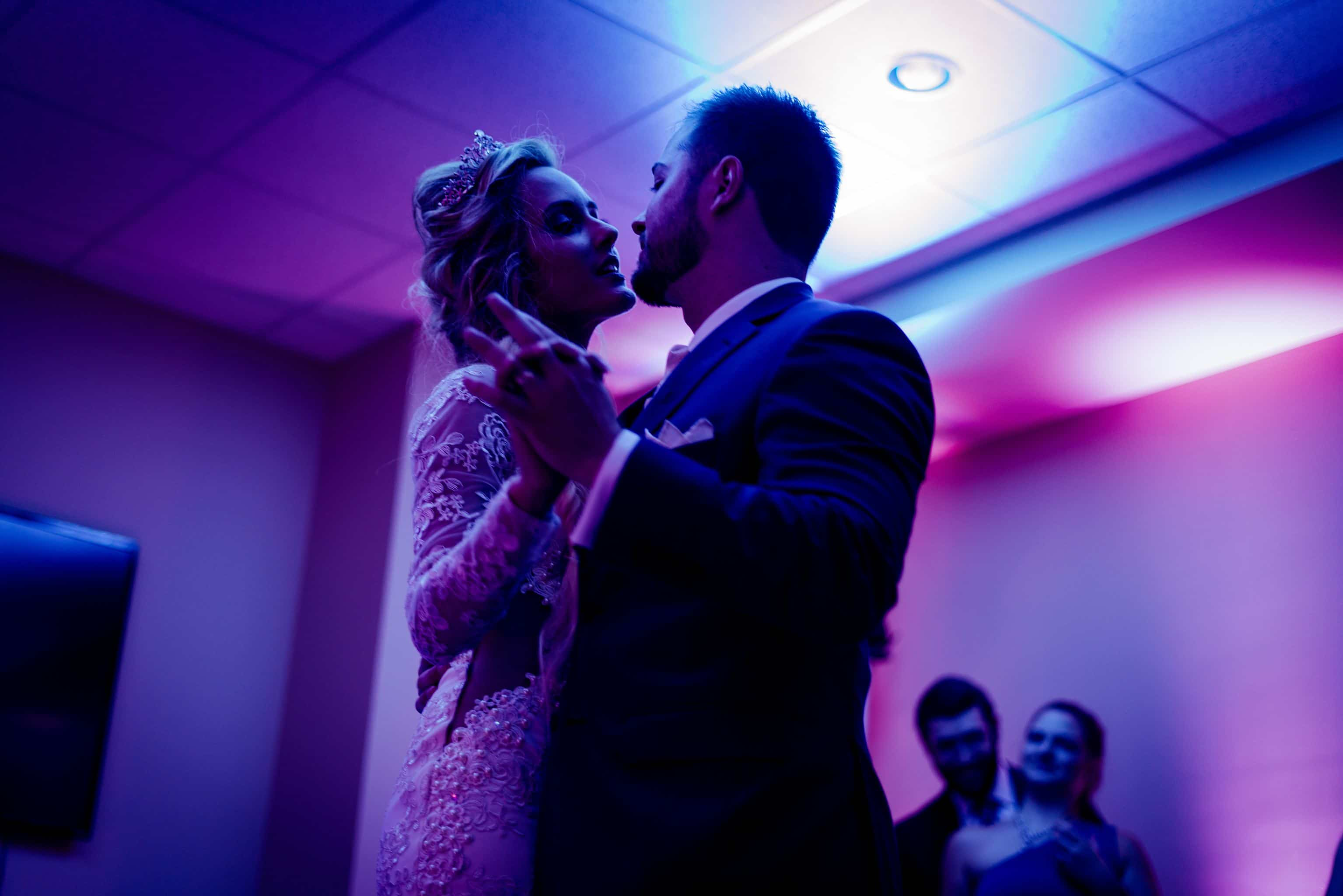 51 Cool Last Dance Wedding Songs to End Your Night