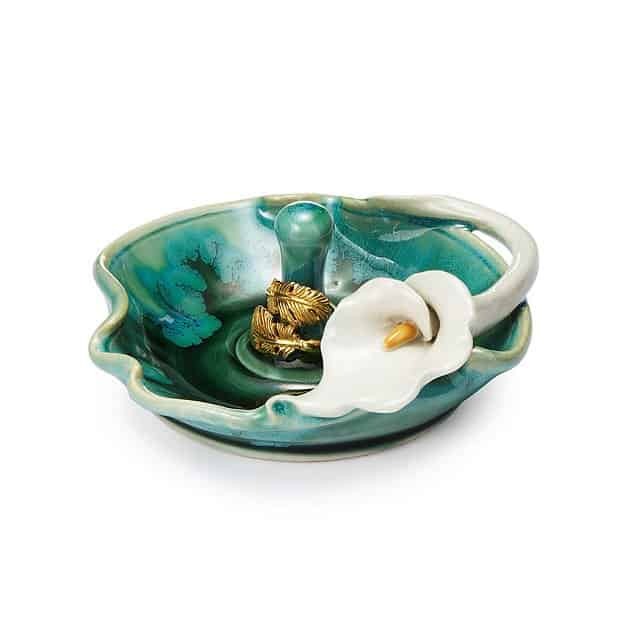6 year anniversary gift for her: porcelain lily ring holder
