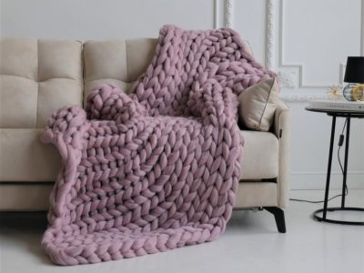 wool gifts for her on 7th anniversary: chunky wool blanket