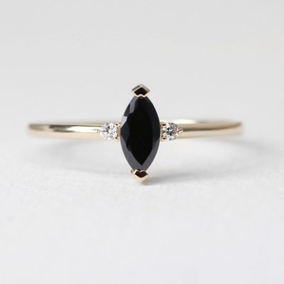 7 year anniversary gift for her: black onyx ring