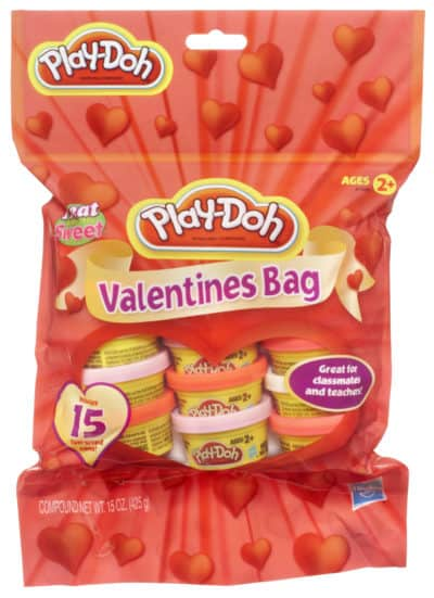 play-doh Valentine's edition: gift idea for kids on Valentine's day