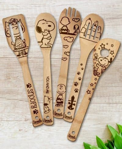 mother to be mothers day gifts: snoopy wooden utensils set