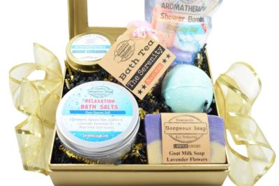mother's day gift for mom to be: spa gift box