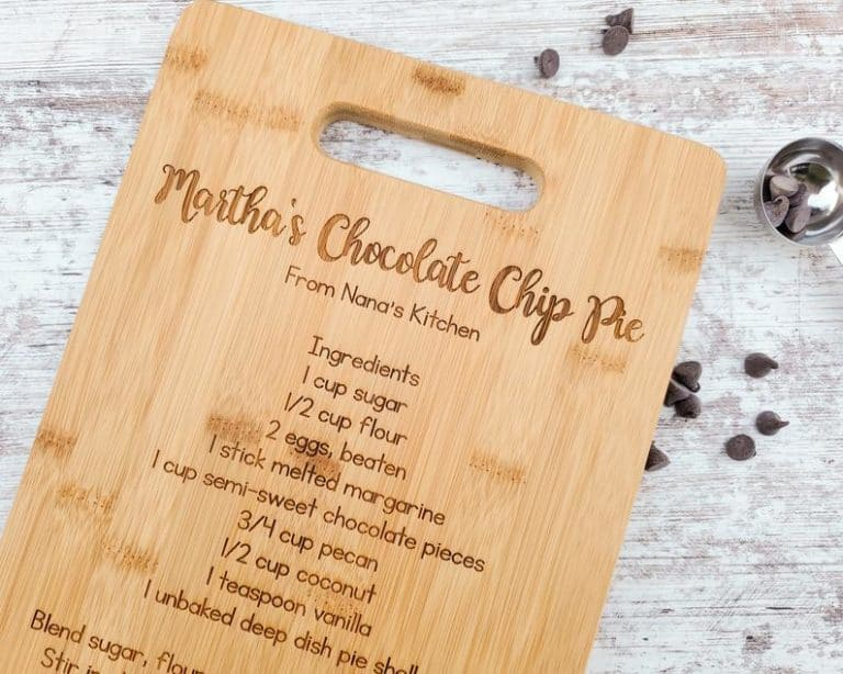 creative mothers day gifts - personalized chopping board