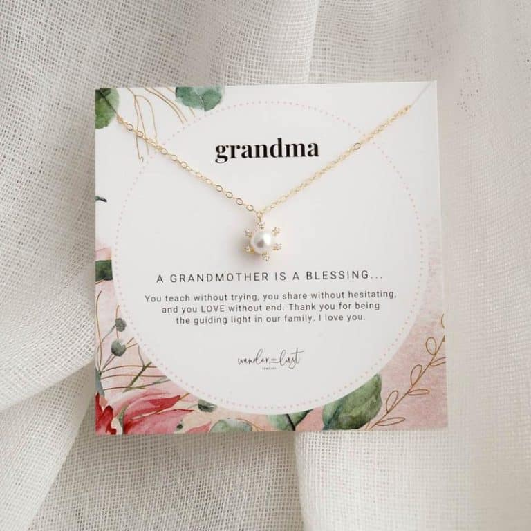 pearl necklace - jewelry gifts for grandma