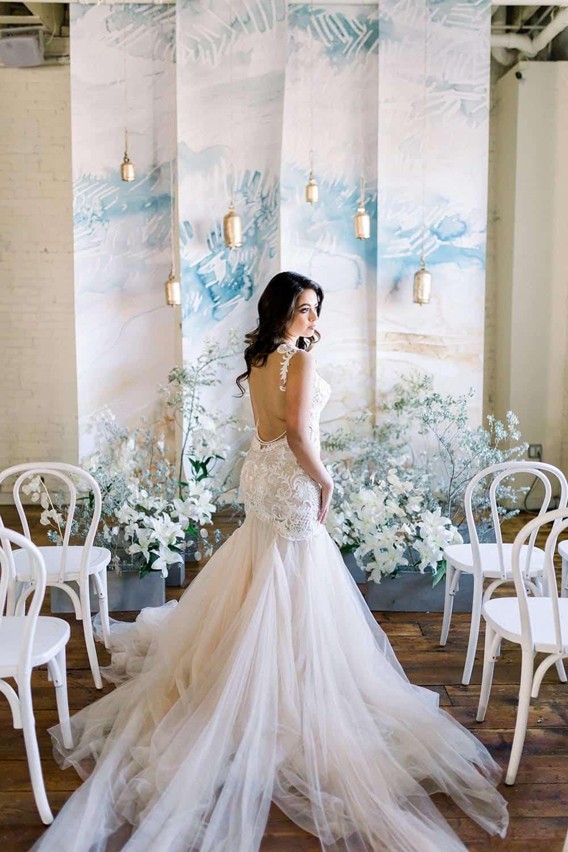 elegant wedding photo backdrop idea
