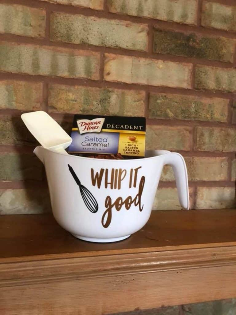 personalized gifts for bakers: personalized mixing bowl