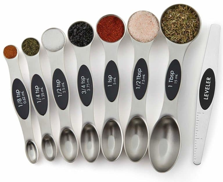 useful gifts for bakers: magnetic measuring spoons set