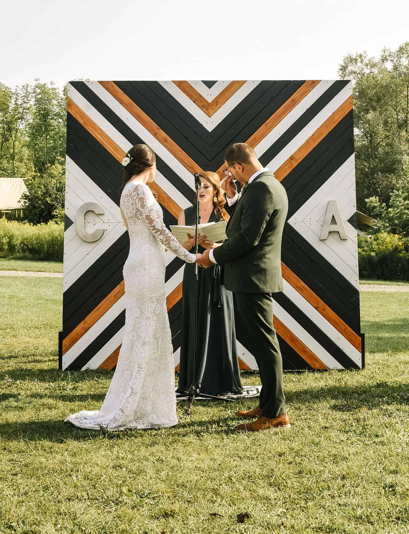 outdoor backdrop idea: modern wooden photo background