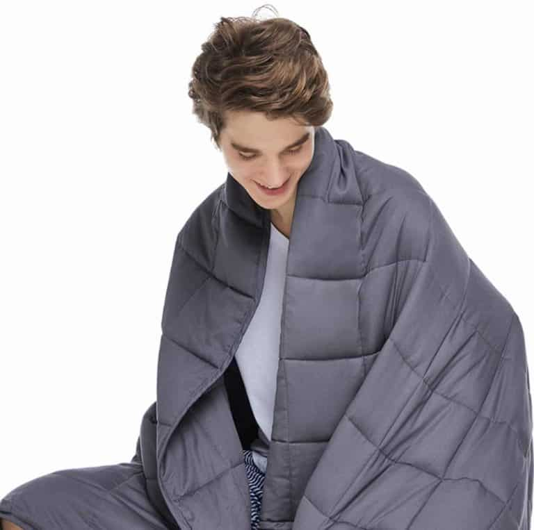 husband gifts: weighted blanket