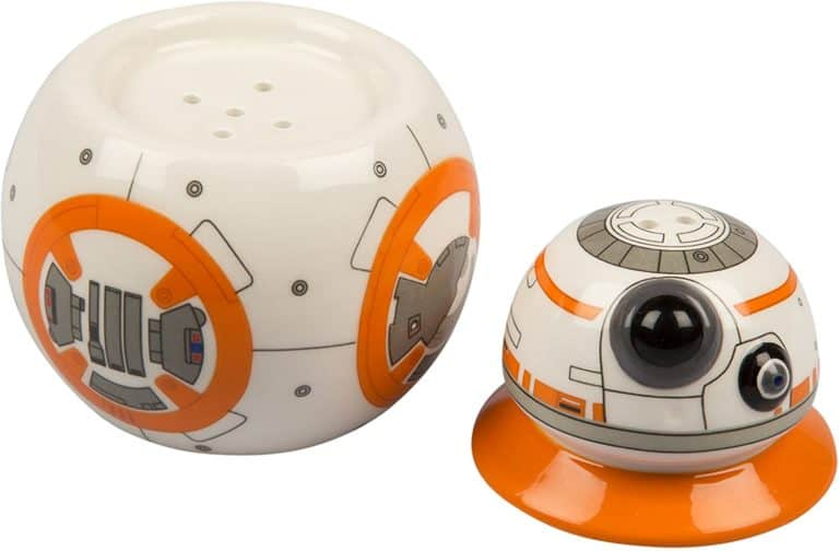 star wars gift for him: bb-8 salt and pepper shakers