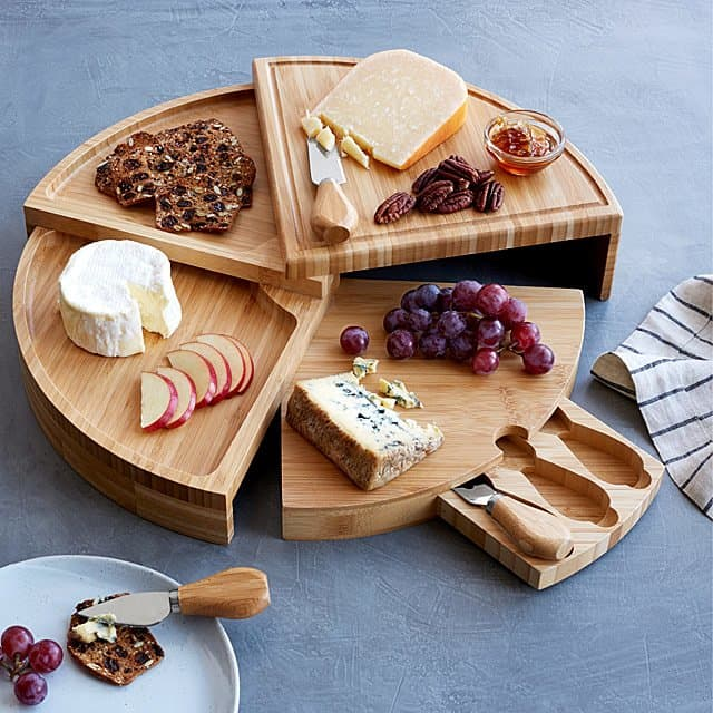 best housewarming gifts for guys: compact cheese board with knives