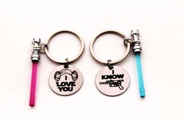 romantic gifts for nerds: lightsaber couples keychain