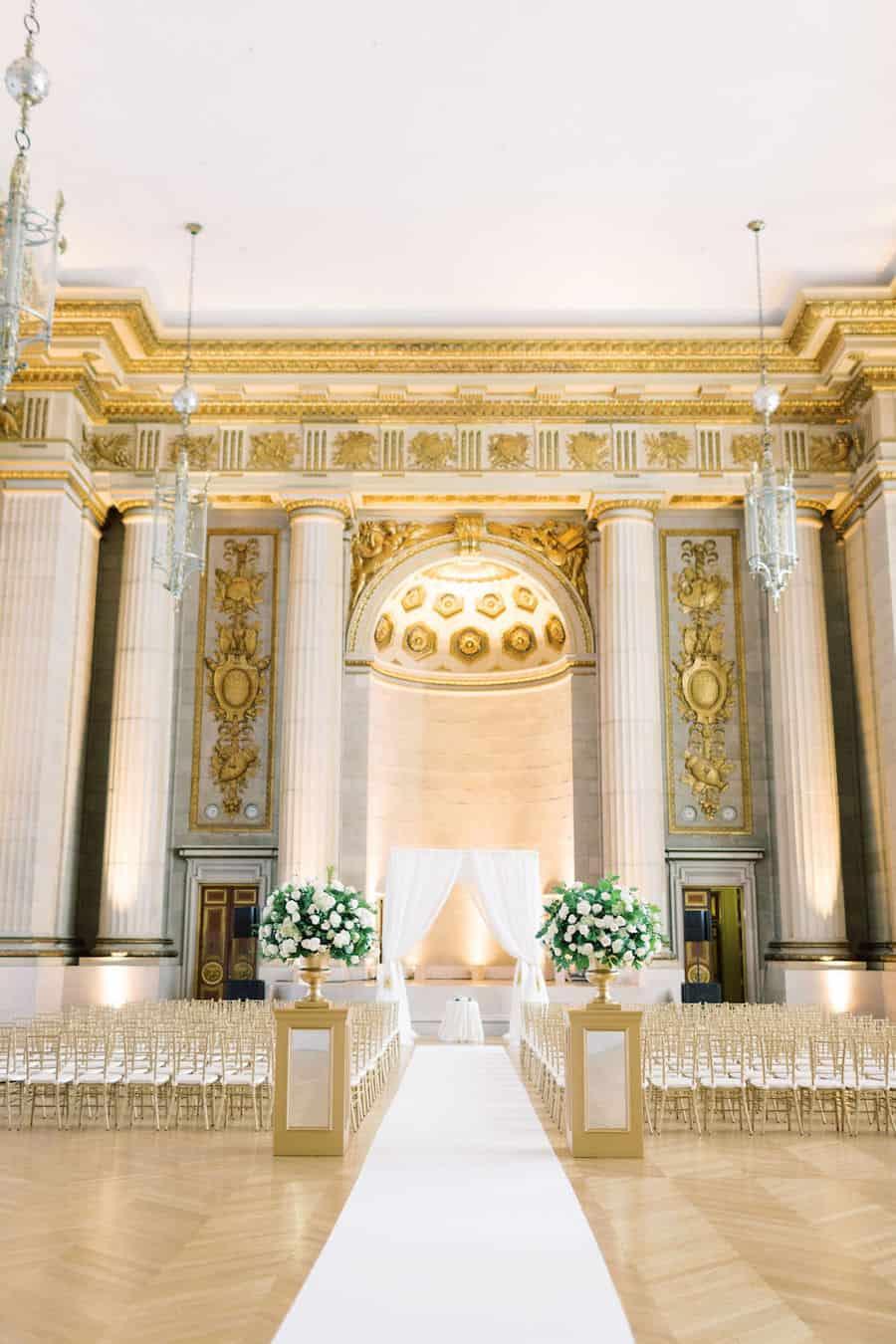 gold & ivory wedding decoration idea
