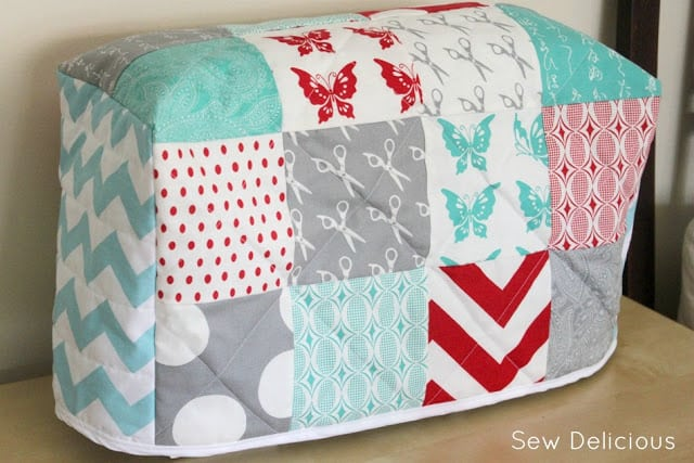gifts for quilters - sewing machine cover tutorial