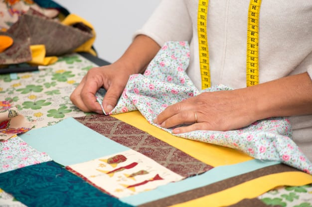 55 Useful Gifts for Quilters That They Absolutely Need
