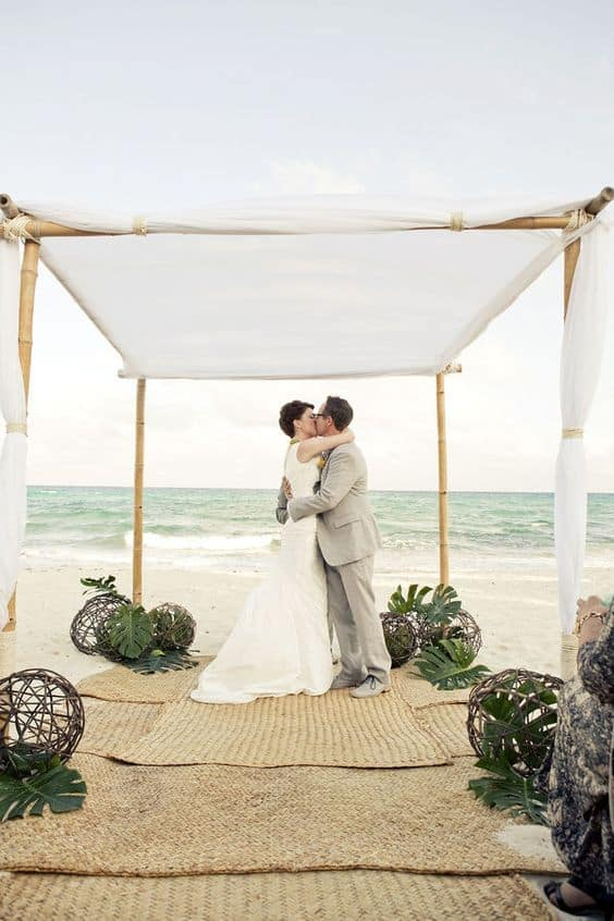 wedding ceremony decorations: beach themed decor idea