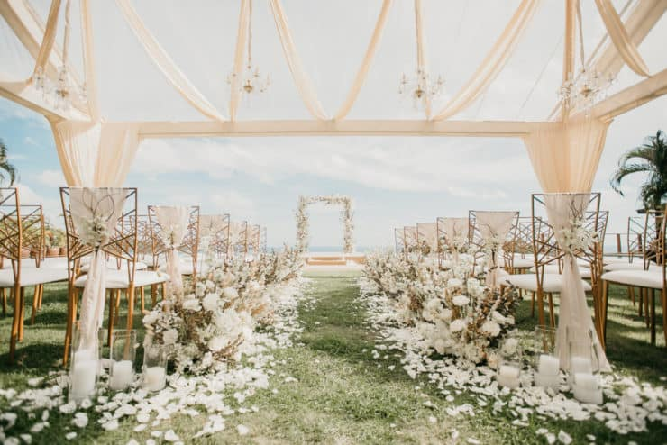 white wedding aisle markers decor idea