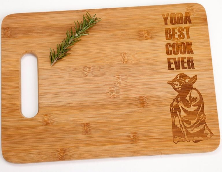 star wars gift for him: yoda best cook ever cutting board