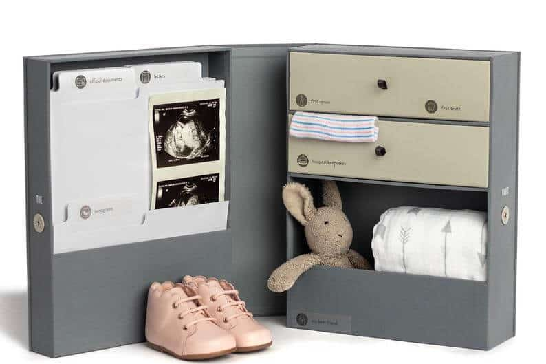 best mothers day gifts for new moms: all-in-one baby keepsake box