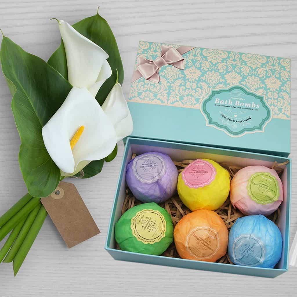 Retirement gift for women: Bath Bomb Gift Set