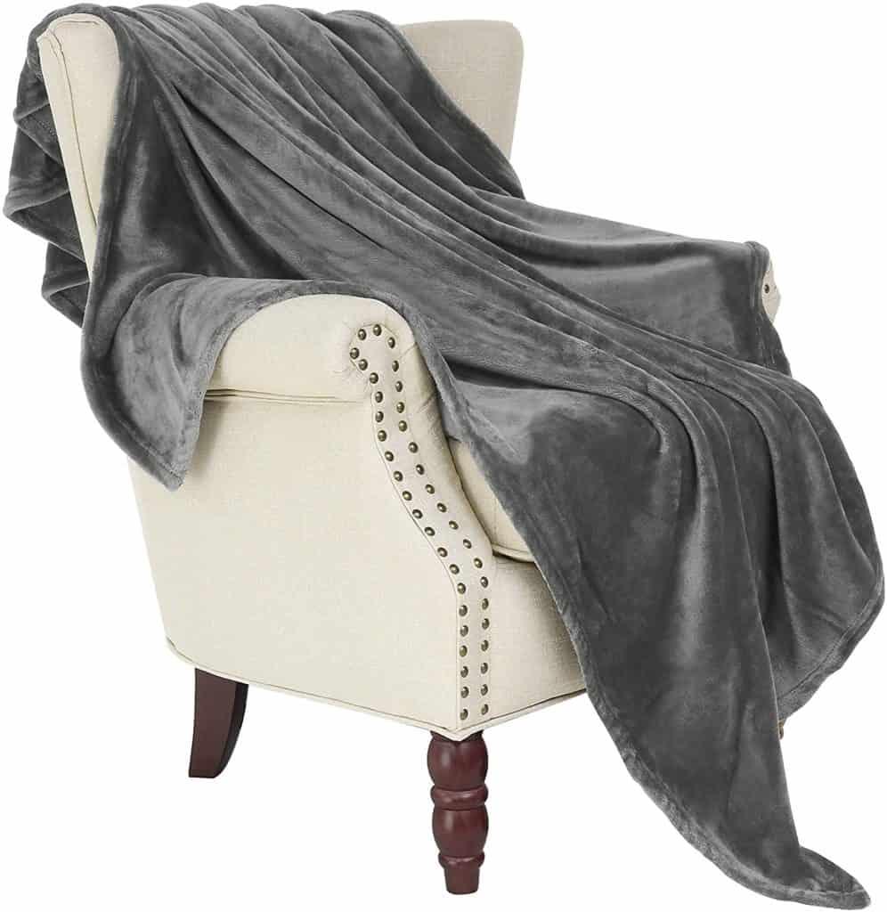 uncle christmas gifts: fleece throw blanket