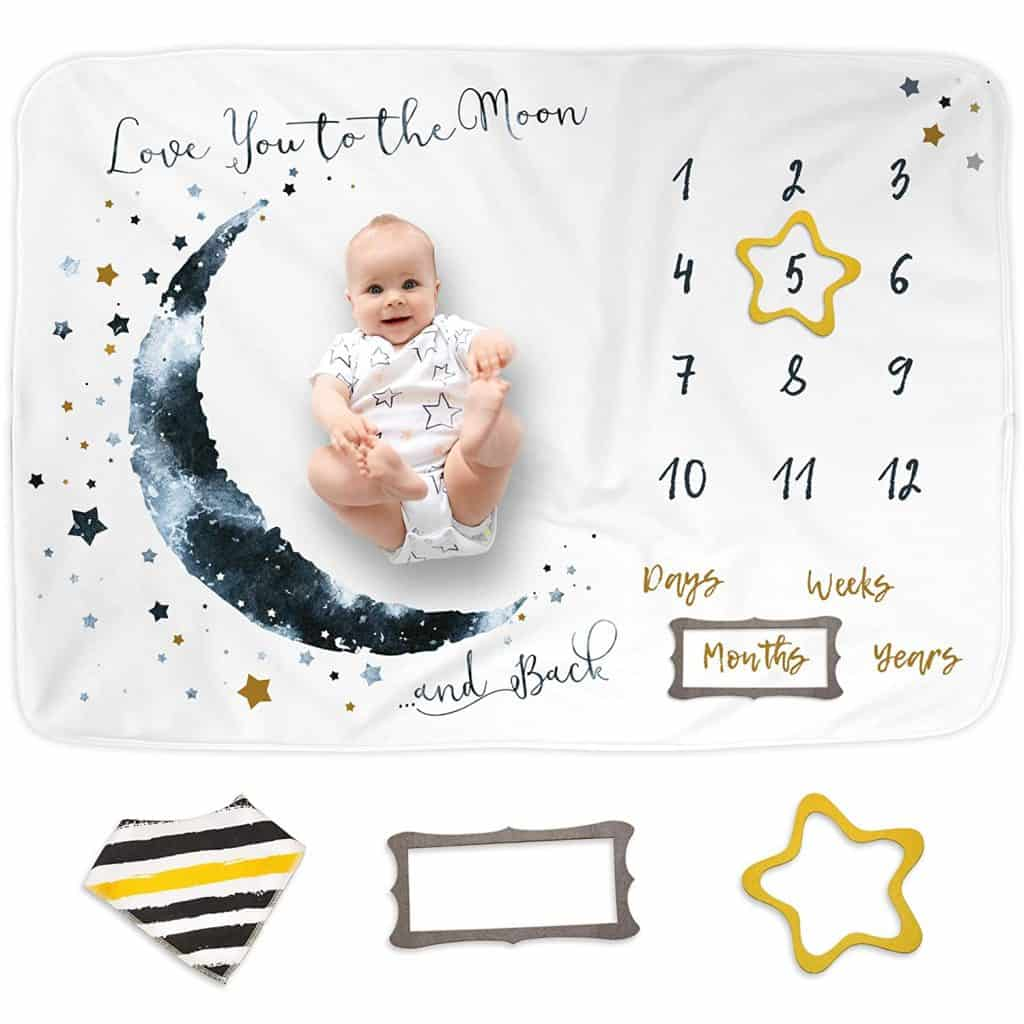 baby shower gifts for mom: baby monthly milestone blanket