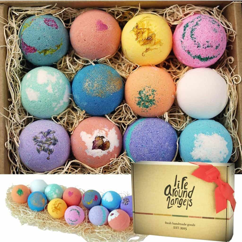 baby shower gifts for mom: bath bomb gift set