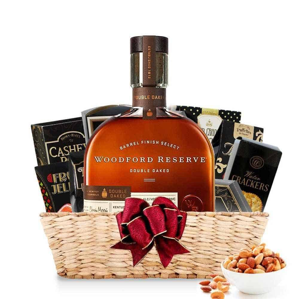 gifts for bourbon drinkers: bourbon whiskey gift basket