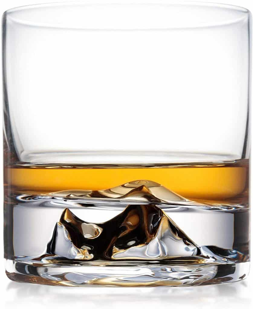 unique gift for whiskey drinkers: everest whiskey glass