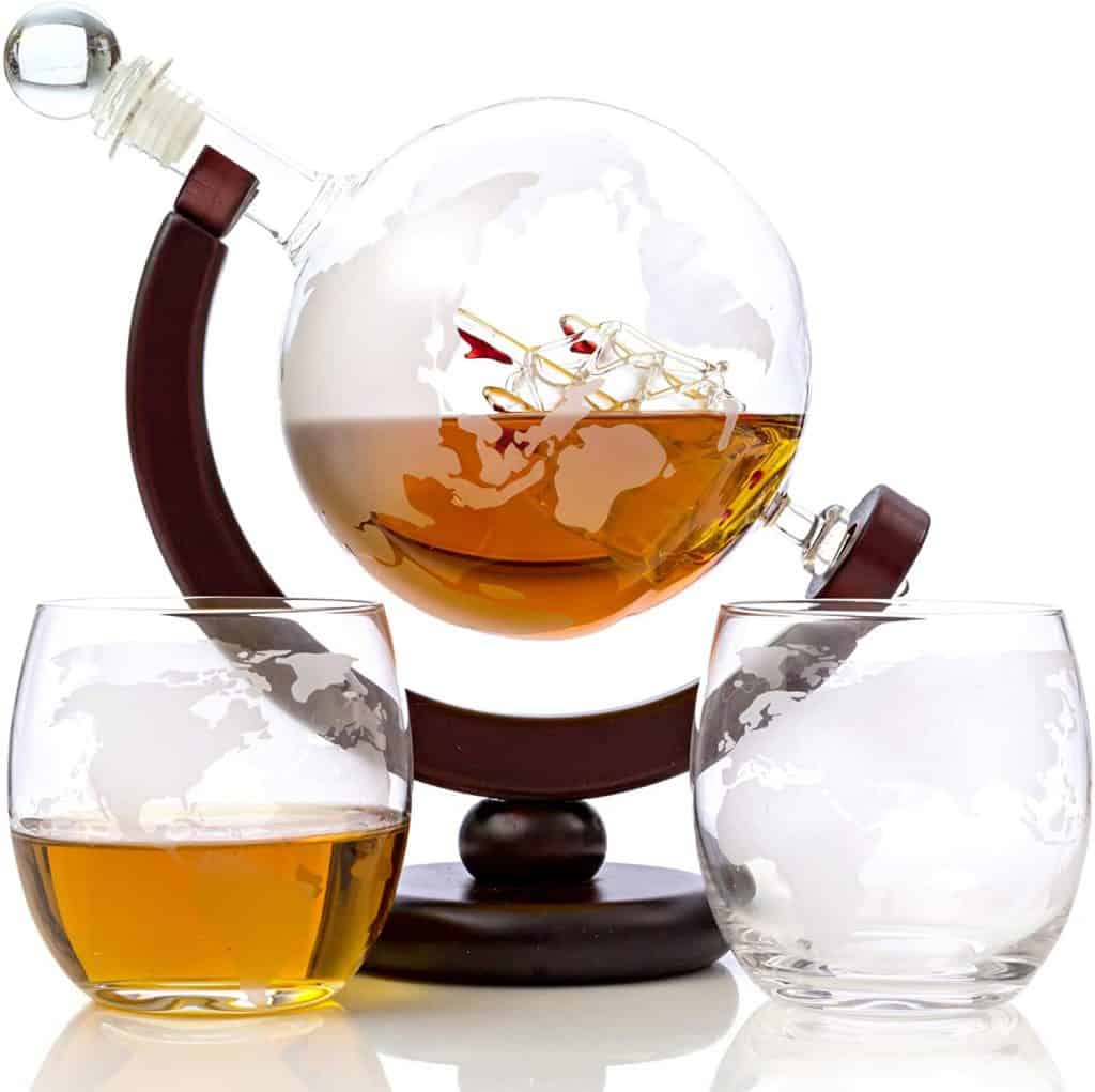 whiskey gift: globe decanter set