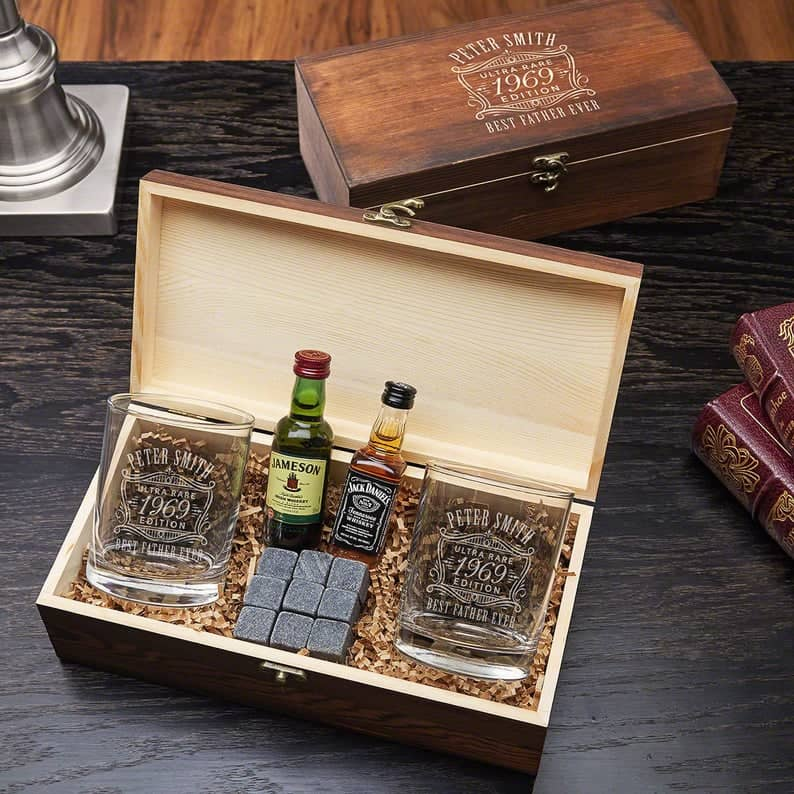 gifts for whiskey lovers: Ultra Rare Edition Engraved Eastham Whiskey Gift Set