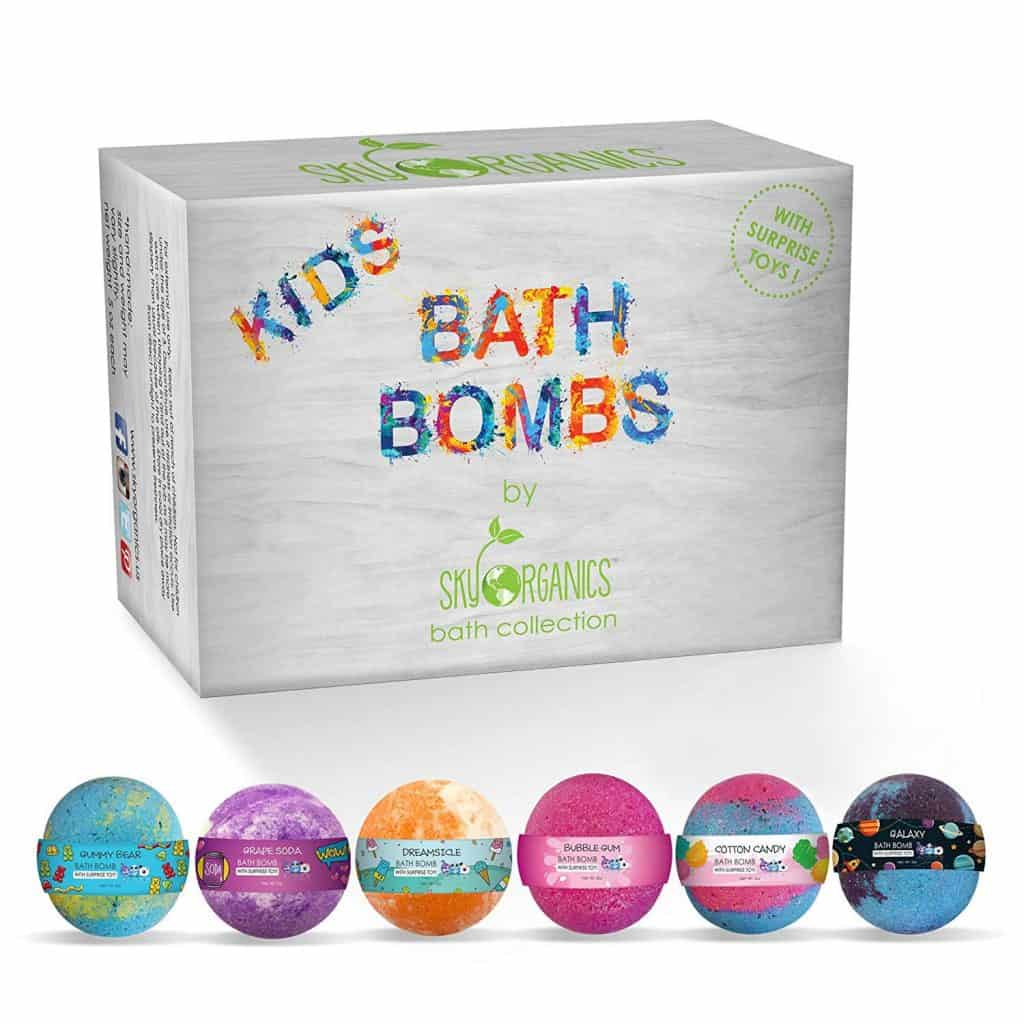 gifts for kids: bath bomb gift set with surprise toys