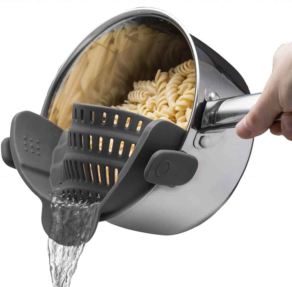 gifts for people who like to cook: snap n strain strainer