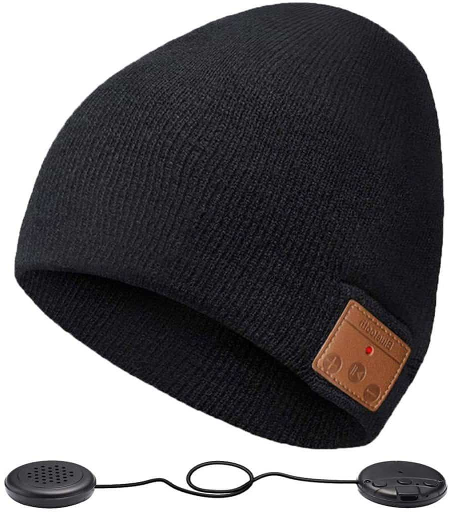 gifts for outdoor lovers: Bluetooth Beanie