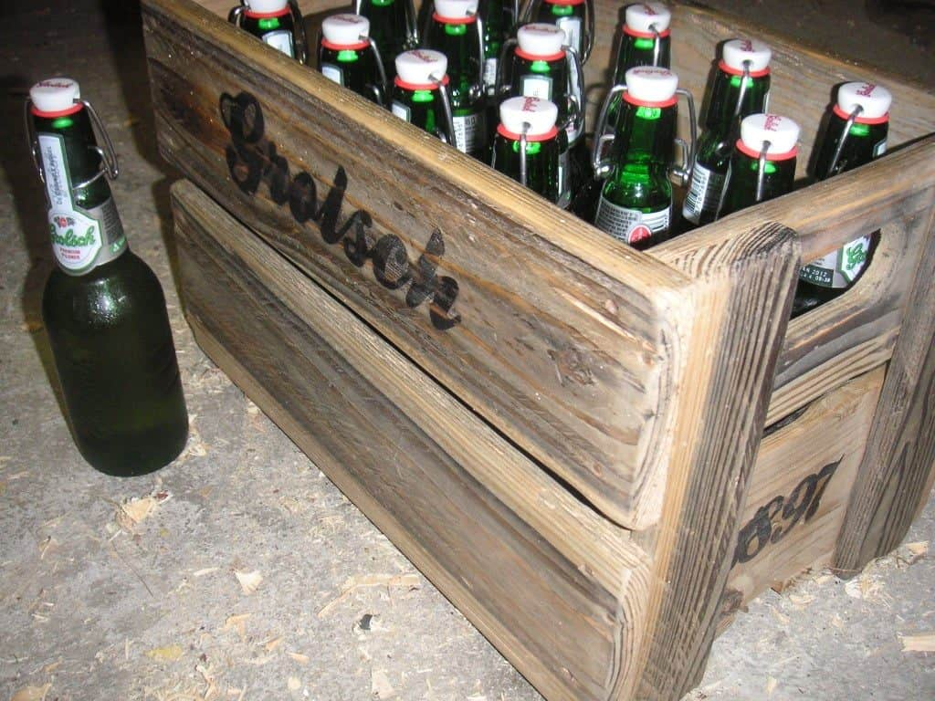 diy presents for boyfriend: Wooden Beer Crate