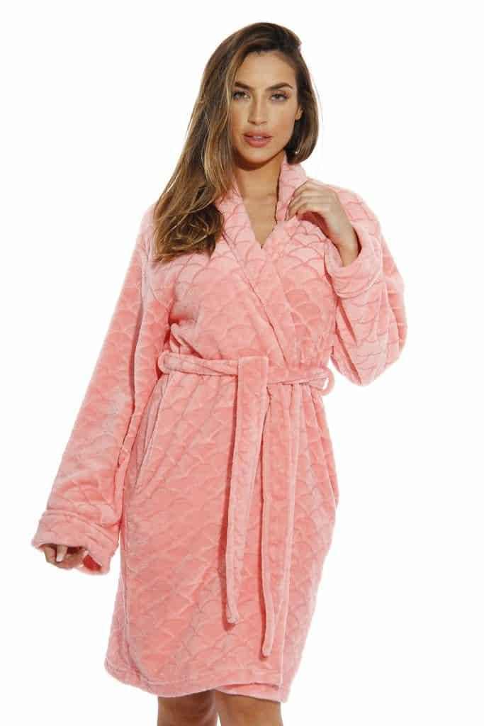 great birthday gifts for wife: kimono bath robe
