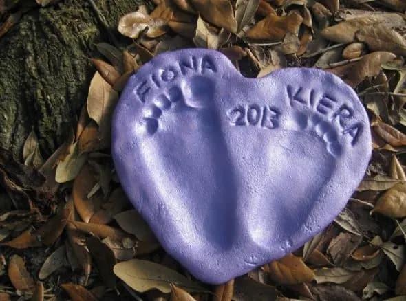 creative mother day gift ideas: salt dough footprint heart