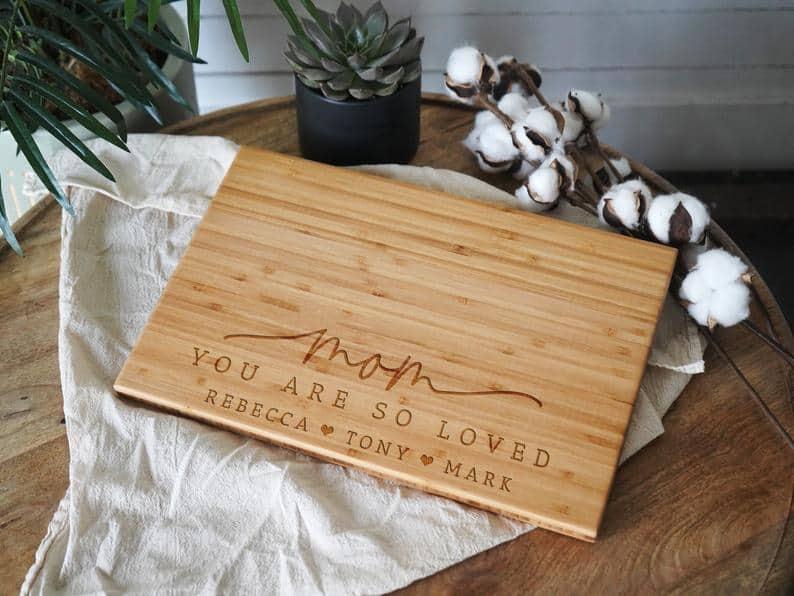 custom cutting board for mom