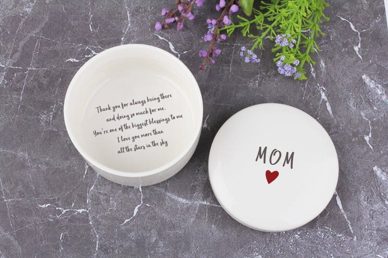 personalized mother's day gift: personalized keepsake box